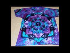 Make A Tie, How To Tie Dye, Ice Tie Dye, Tye Dye, Diy Tie Dye Designs, Cool Tie Dye Patterns, Tie Dye Steps, Tie Dye Folding Techniques, Diy Tie Dye Shirts