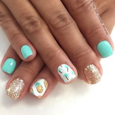 Pineapples & Palm Trees on Glitter and Mint Nails