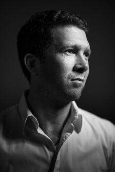 Zakelijk zwart-wit portret door www.hennyvanroomen.nl #portret #fotograaf