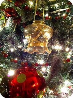 ceiling fan globe ornament Christmas Decorations, Christmas Tree, Christmas Ornaments, Holiday Decor, Ceiling Fan Globes, Globe Ornament, Crafts, Ideas, Home Decor