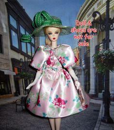 OOAK Blush Beauty Silkstone ensemble with Rose prints dress coat hat bag gloves Rose Prints, Barbie Wardrobe, Blush Beauty, Doll Shoes, Coat Dress, Dress Making, Harajuku, Gloves, Homemade