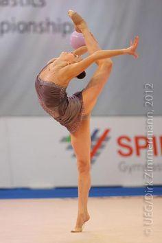 <<Anna Rizatdinova (Ukraine)>>