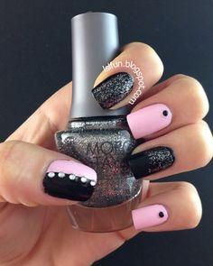 Black and Pink Nail Art
