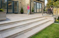 18 Ideas For Curved Patio Steps Paths 18 ideas for curved terrace steps Curved terrace steps How to create 42 trendy ideasCurved terrace ideas mulch 47 ideas for 201937 Ideas Curved Patio Steps Paths Patio Pergola, Small Backyard Patio, Flagstone Patio, Diy Patio, Concrete Backyard, Patio Steps, Garden Steps, Garden Paths, Curved Patio