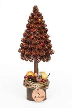 Fall Crafts, Decor Crafts, Christmas Crafts, Christmas Decorations, Diy Crafts, Pine Cone Christmas Tree, Rustic Christmas, Bird Houses Painted, Pine Cone Crafts