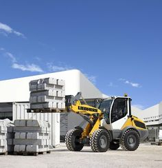 Liebherr - The brand new L 506 c Compact Loader