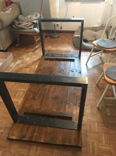 DIY - build a table - made as intended-DIY – Tisch bauen – gemacht wie gedacht DIY – build a table – made as intended - Metal Furniture, Diy Furniture, Furniture Design, Build A Table, Diy Wood Table, Wooden Tables, Door Table, Diy Home Decor, Room Decor