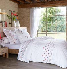 1000 images about chambre linge de lit on pinterest deco marie galante and bonheur. Black Bedroom Furniture Sets. Home Design Ideas
