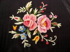 Point de Beauvais is a French term for a form of tambour embroidery, which is a decorative needlework technique using a hook to create a chain st. Kashida Embroidery, Tambour Embroidery, Border Embroidery, Wool Embroidery, Embroidery Works, Embroidery Patterns Free, Hand Embroidery Stitches, Wool Applique, Hand Embroidery Designs