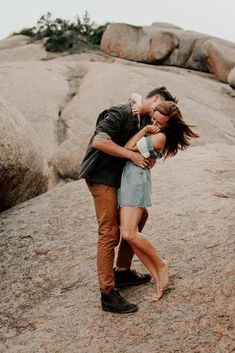 Searching for tips on how to flirt with a girl? With our tricks, you will explore how to get dozens of crushes wherever you go. #glaminati #lifestyle #flirt #love #relationships