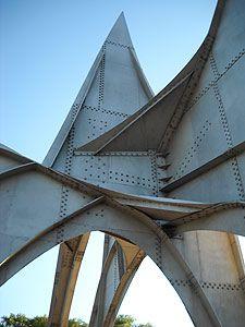 sculpture portion ( Alexander Calder )