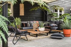 Garden Seating, Outdoor Seating, Outdoor Rooms, Outdoor Living, Outdoor Decor, Backyard Pool Designs, Small Backyard Design, Patio Design, Backyard Ideas