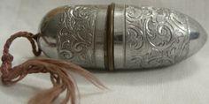 Antique thimble case & bone thimble  c1930s by BAYTREEGIFTS, $15.00
