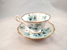 Royal Albert Marguerite Tea Cup and Saucer, Scalloped Edges, Mint Condition by MySimpleDistractions on Etsy