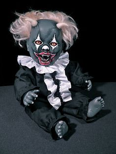 WTF, think my nightmares will have nightmares of this OOAK Krypt Kiddies Vampire Goth Horror Clown Demon Reborn Doll Evil Halloween A Halloween Bebes, Halloween Circus, Halloween Projects, Spooky Halloween, Vintage Halloween, Outdoor Halloween, Halloween Makeup, Halloween Ideas, Halloween Decorations