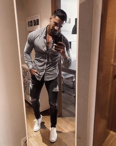 Photo shared by Mens Fashion on April 06 2020 tagging 1 person st Stylish Mens Outfits, Casual Outfits, Men Casual, Summer Outfits Men, Summer Men, Outfit Summer, Casual Chic, Mens Clothing Trends, Trendy Clothing