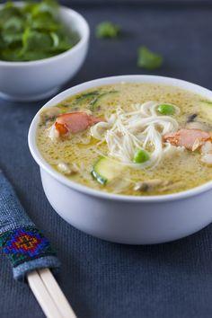 zupa tajska, kuchnia tajska, zielone curry Asian Recipes, Healthy Recipes, Ethnic Recipes, Soup Recipes, Cooking Recipes, Asian Soup, Home Food, Asian Cooking, Food To Make