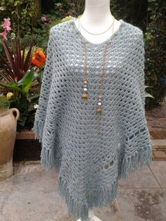 Lovely confortable poncho withe fringes by PonchosandScarves