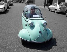 Messerschmitt MicroCar: Sphinx on the move.