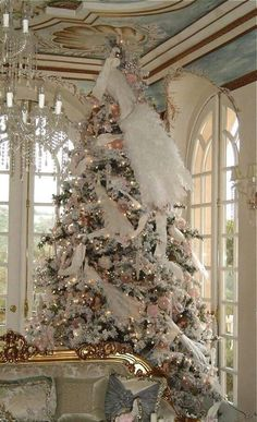 More chic than shabby...a gorgeous Victorian decorated tree...