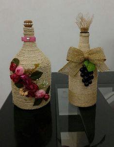 Elképesztő milyen csodás dolgokat készíthetsz egy kis spárgából, ha van egy kis türelmed! - Bidista.com - A TippLista! Rope Crafts, Ribbon Crafts, Diy Crafts, Wine Bottle Crafts, Bottle Art, Mod Podge Glass, Trash To Treasure, Glass Bottles, Christmas Crafts