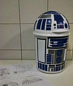 lixeira geek / nerd para quarto de criança (ou adulto): R2 D2 (starwars) com contact (vinil adesivo)                                                                                                                                                      Mais