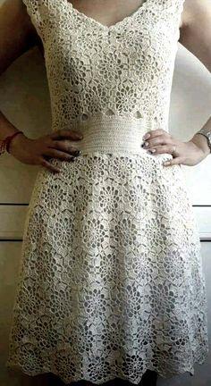 Crochet Dress With Motifs Squaressummer - Diy Crafts - Qoster Crochet Wedding Dresses, Crochet Summer Dresses, Summer Dress Patterns, Vintage Crochet, Crochet Lace, Modest Homecoming Dresses, Hippie Crochet, Crochet Woman, Embroidery Dress