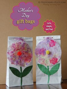 A fun and simple Mother's Day gift bag craft for preschool, pre-k, and kindergarten. The perfect compliment to any Mother's Day Gift. #preschool #prek #kindergarten #homeschool #prekactivities #preschoolactivities #kidsactivities #mothersday #giftbag #artsandcrafts #art #parentgifts