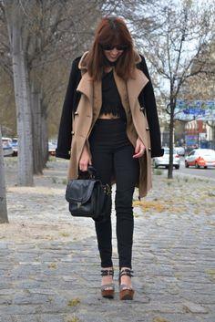 Look Crop Top, piel de ante y abrigo combinado. ~ Mi Vida en Rojo