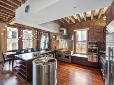 Contemporary SoHo Loft with Exposed Brick and Wood Beams Industrial Decor Kitchen, Open Plan Apartment, Brick Kitchen, Dream Apartment, Interior Design Kitchen, New York City Apartment, Apartment Chic, Loft Apartment Decorating, Loft Style