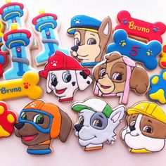 biscoitos decorados tema patrulha canina por Vanilla Art Cookies - São Paulo.