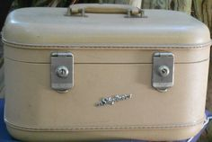 Vintage TRAIN CASE LUGGAGE overniter by JunqueInTheTrunque on Etsy, $28.00