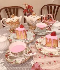 Pretty Cakes, Cute Cakes, Aesthetic Food, Pink Aesthetic, Summer Aesthetic, Think Food, Cute Desserts, Pink Desserts, Cafe Food