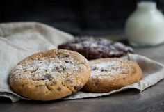 Everyone loves sugar cookies – especially on special days! Get out your pumpkin cookie cutter and surprise your friends and family with these low-fat cookies! Cookies Sans Gluten, Best Gluten Free Cookies, Paleo Chocolate Chip Cookies, No Bake Cookies, Sugar Cookies, Protein Cookies, Protein Cookie Recipe, Cookie Recipes, Biscuits Anzac