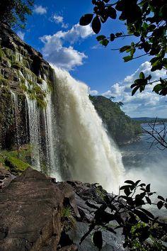 Salto El Hacha.Parque Nacional Canaima, Estado Bolívar, Venezuela.