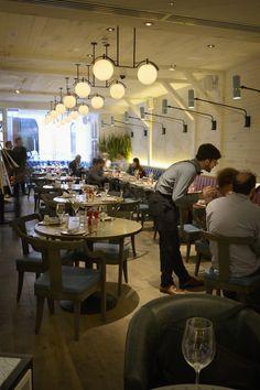 Restaurant. Bouillabaisse, Mayfair. Seafood Restaurant