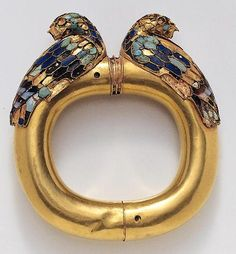 Achaemenid Bracelet Material:Gold,Turquoise,Lapis Lazuli and Agate Miho Museum