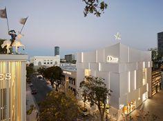 Dior shop in Miami Design Destrict by French architectural firm Barbarito Bancel