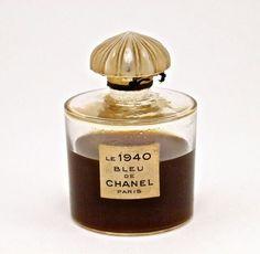 1940 Chanel Le 1940 Bleu de Chanel perfume bottle glass frost stopper label Chanel-France molded on base 2 3 4 in Perfumes Vintage, Antique Perfume Bottles, Vintage Perfume Bottles, Vintage Makeup, Perfume Tommy Girl, Perfume Good Girl, Perfume Hermes, Jars, Perfume Collection
