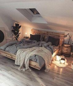 Home Interior Design This beautiful, cosy Scandinavian style bedroom. Home Interior Design This beautiful, cosy Scandinavian style bedroom. Dream Rooms, Dream Bedroom, Home Bedroom, Modern Bedroom, Master Bedroom, Pretty Bedroom, Loft Bedroom Decor, Scandinavian Style Bedroom, Decor Room