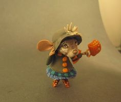 Aleah Klay Studio: Miniature Mouse in Autumn costume Wind blown One of a kind sculpture by Aleah Klay SOLD
