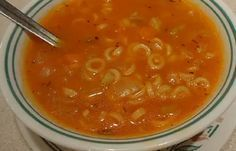 Recette : Soupe aux tomates de maman. Best Chicken Recipes, Soup Recipes, Healthy Recipes, Ricardo Recipe, Soup Appetizers, Smoking Recipes, Canadian Food, Diy Food, Soups And Stews