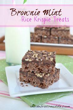 Brownie Mint Rice Krispie Treats - chocolate rice krispie treats made with brownie mix and mint  #ricekrispietreats #brownie http://www.insidebrucrewlife.com
