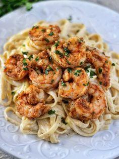 Cajun Shrimp Fettuccine Alfredo Recipe, Fettuccine Recipes, Cajun Shrimp Pasta, Fettucine Alfredo, Fettuccine Pasta, Pesto Shrimp, Chicken Alfredo, Recipes With Alfredo Sauce, Salsa Alfredo