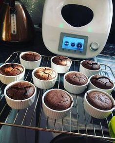 Fondant z płynną czekoladą by on www. Foundant, Food And Drink, Menu, Pudding, Cookies, Breakfast, Fondue, Deserts, Menu Board Design