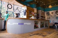 Superb Bicycle Shop in Boston, MA. Find Linus Bike here! Bicycle Cafe, Bicycle Store, Design Commercial, Store Design, Design Design, Design Ideas, Bike Storage, Shop Interiors, Retail Design