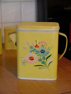 PAINTED TIN FLOUR SIFTER, I have the salt & pepper shakers and the serving tray of this pattern