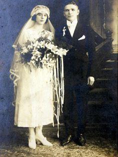 Antique Wedding Photo Huge Bouquet of by QueeniesCollectibles, $11.99