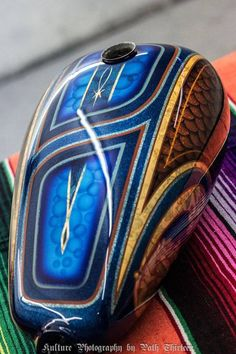 Motorcycle Paint Jobs, Cool Tanks, Collor, Road Glide, Bike Ideas, Pinstriping, Bike Stuff, Lowrider, Choppers