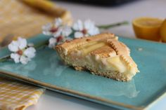 This easy creamy lemon tart will satisfy your senses. Serve it for breakfast or with your coffee and people will ask for the recipe! Big Bubbles, Lemon Cream, Cake Tins, Italian Recipes, Tart, Baking, Breakfast, Ethnic Recipes, Food